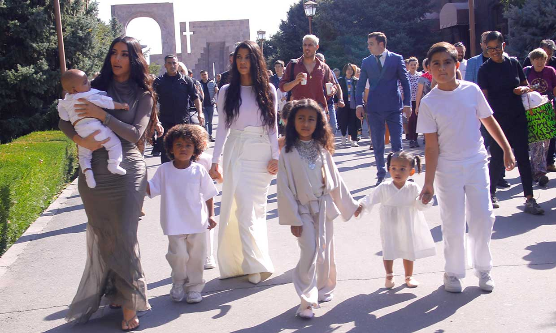 Kim Kardashian cumple su gran sueño de bautizar a sus hijos pequeños en Armenia