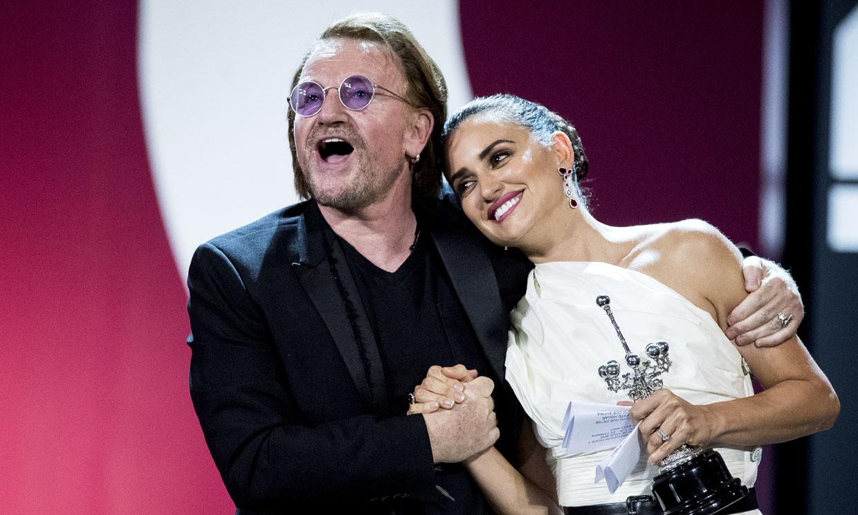 ¿Qué sintió Penélope Cruz al recibir el Premio Donostia de la mano de su amigo Bono?