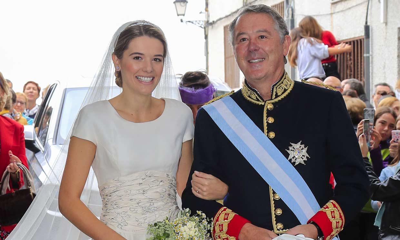 Irene, la hija mayor de José María Michavila, se casa con Ramón Lladó en Candeleda