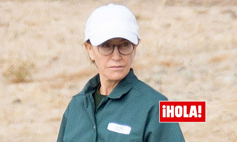 Las impactantes imágenes de Felicity Huffman vestida con el uniforme de prisión