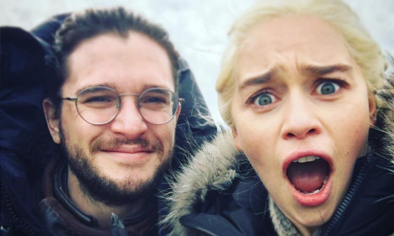 El reencuentro de Emilia Clarke con sus dos amores de 'Juego de Tronos'