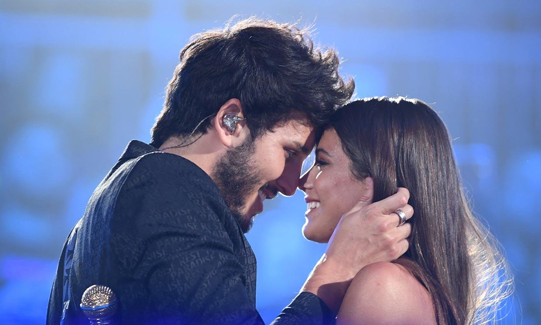Sebastián Yatra y Tini Stoessel celebran con un 'te quiero' su último triunfo