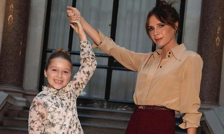 ¡Hasta el pelo verde! Victoria Beckham demuestra que su hija Harper es la fan número uno de Billie Eilish