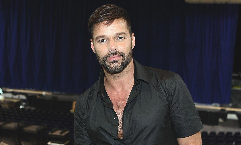 Ricky Martin anuncia que ha sido padre por cuarta vez con esta foto de su bebé