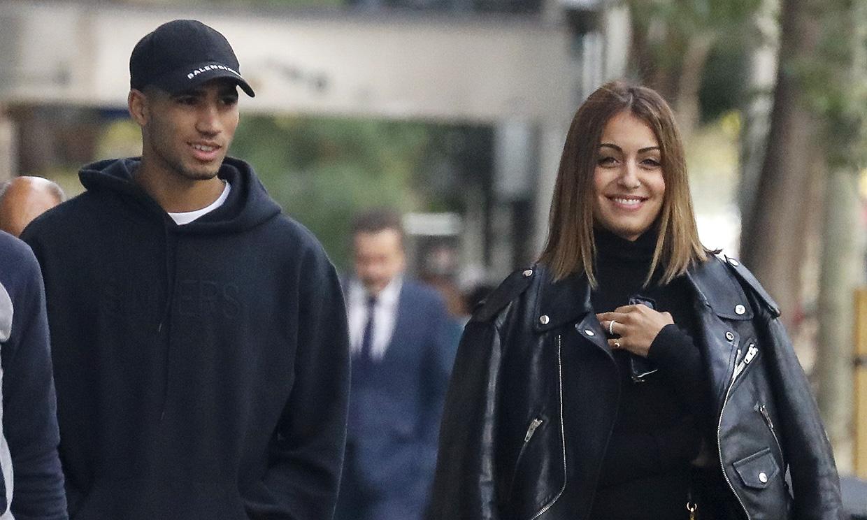 Hiba Abouk y Achraf Hakimi, dos futuros papás en el concierto de Nicky Jam