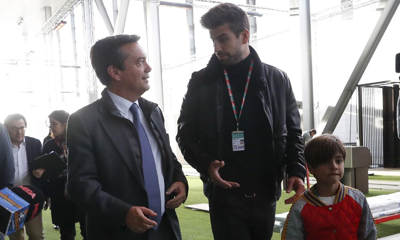 Y después de Sasha... Milan también acompaña a Gerard Piqué al trabajo