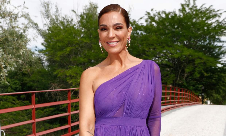Raquel Bollo, enjaulada en su estreno como presentadora de 'Sálvame'