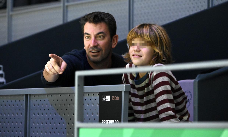 El lado más paternal de Arturo Valls con su hijo Martín, al descubierto en el tenis