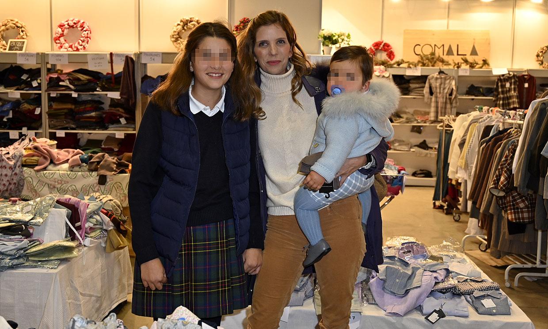 ¡Cómo ha crecido! Margarita Vargas se lleva a su hijo Enrique al rastrillo Nuevo Futuro