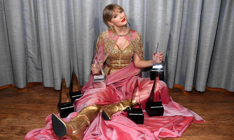 Taylor Swift se proclama nueva 'reina del pop' en los American Music Awards