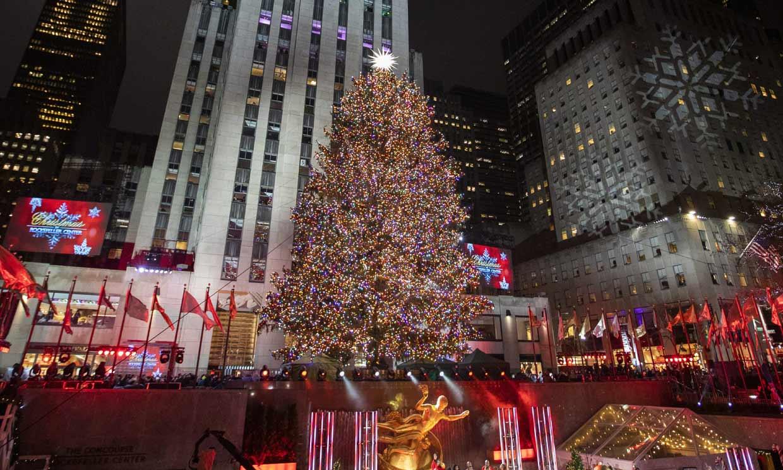 ¡Por fin es Navidad en Nueva York! La ciudad enciende su famoso árbol de Rockefeller Center
