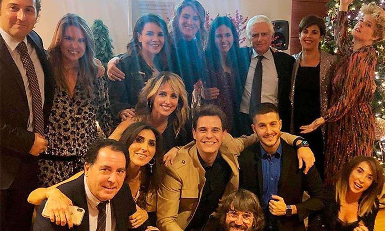 Toñi Moreno celebra junto a sus compañeros la última Navidad antes de ser madre