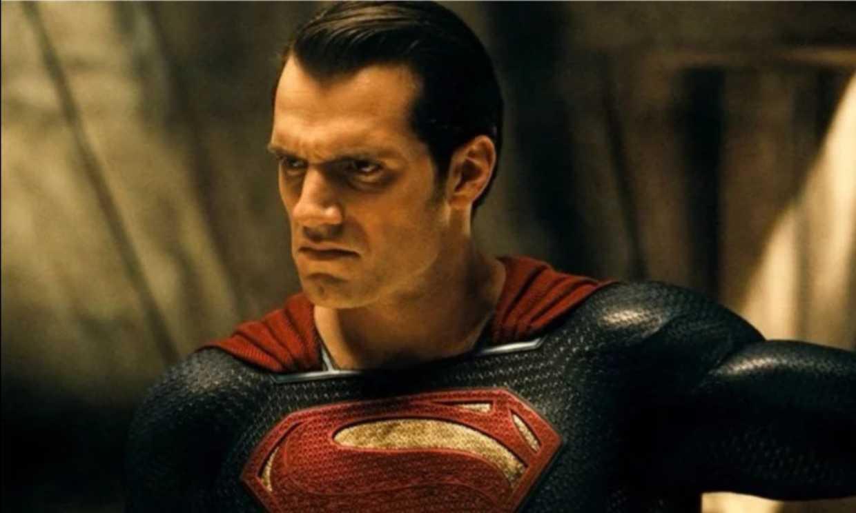 ¿Superman con traje de negro en 'La Liga de la Justicia'?