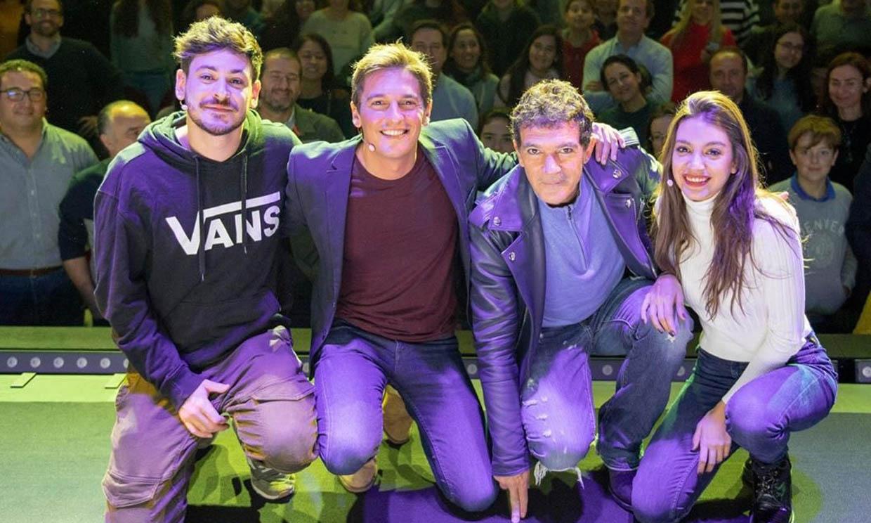 Así ha sorprendido Antonio Banderas a Ana Guerra y Cepeda sobre el escenario