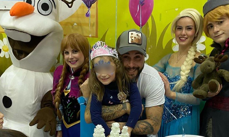 Ana Rivera, una pequeña princesa bailando en su cumpleaños con Elsa (de 'Frozen')