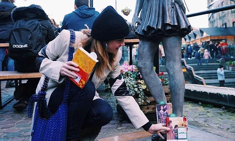 Emma Watson y su curiosa manera de promocionar la película 'Mujercitas'