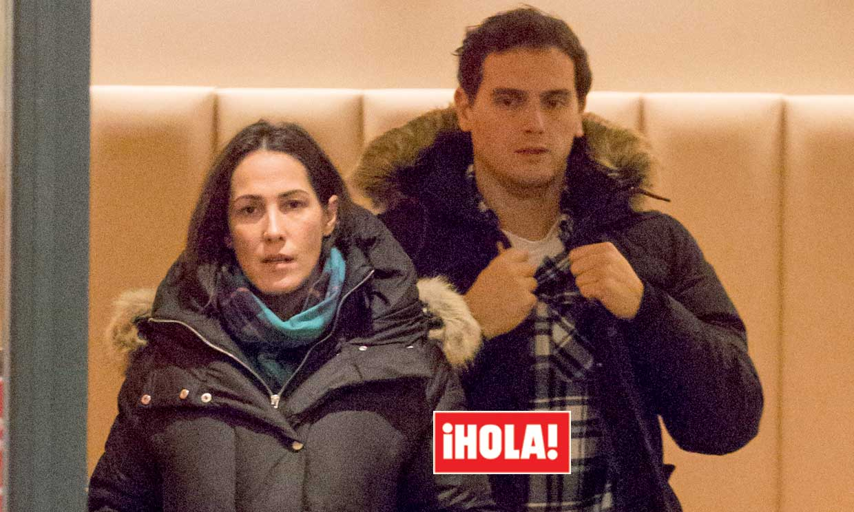 En ¡HOLA!: Malú y Albert Rivera, primeras imágenes tras confirmar que van a ser padres
