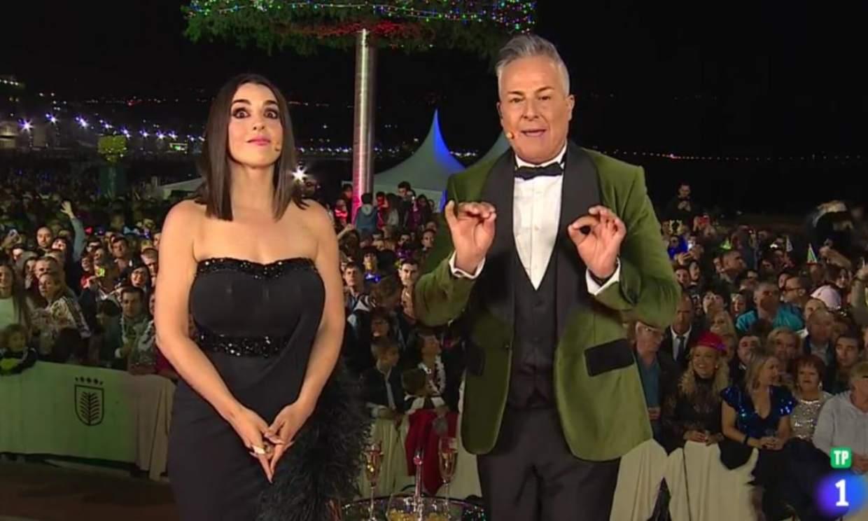 Roberto Herrera y Ruth Lorenzo protagonizan la anécdota durante la retransmisión de las Campanadas en Canarias
