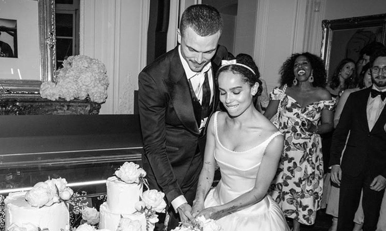 ¡Casi ocho meses después! Zoë Kravizt comparte el inédito álbum de su boda y de su vestido de novia