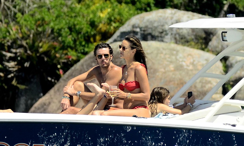 Las románticas vacaciones de Alessandra Ambrosio en Brasil