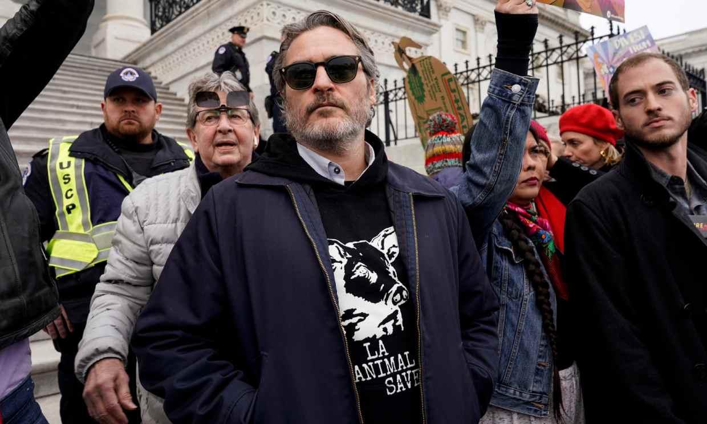 Joaquin Phoenix arrestado en una protesta contra el cambio climático organizada por Jane Fonda