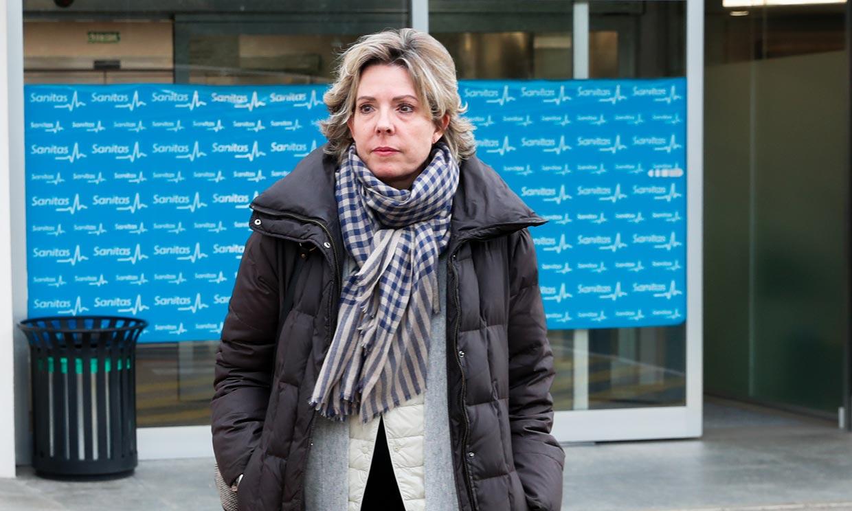 Simoneta Gómez-Acebo recibe el alta tras su ingreso hospitalario por una fuerte neumonía