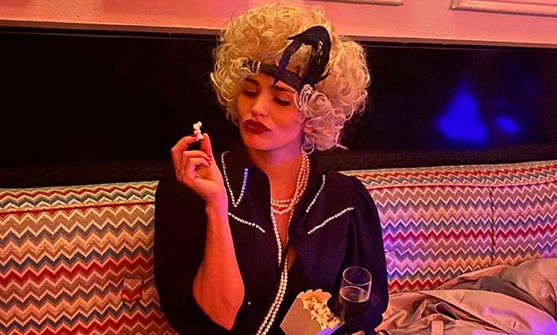 ¡Vuelta a los felices 20! Sara Sálamo se traslada al cabaret en su gran fiesta de cumpleaños