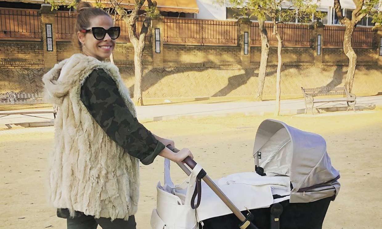 'Mami feliz', el primer paseo de Pastora Soler con su hija Vega
