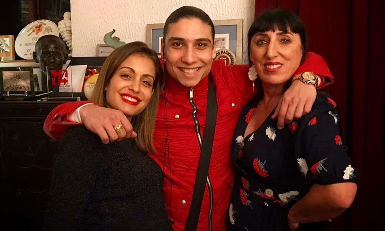 Hiba Abouk, noche flamenca con amigos antes de dar la bienvenida a su bebé