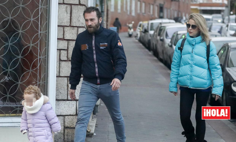 EXCLUSIVA: las imágenes más familiares de Silvia Abascal con su novio y su hija