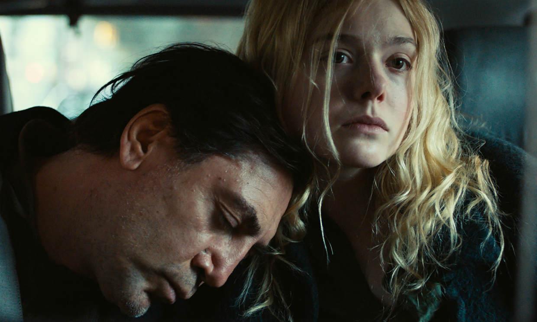Javier Bardem y Elle Fanning, padre e hija en el drama 'The roads not taken'