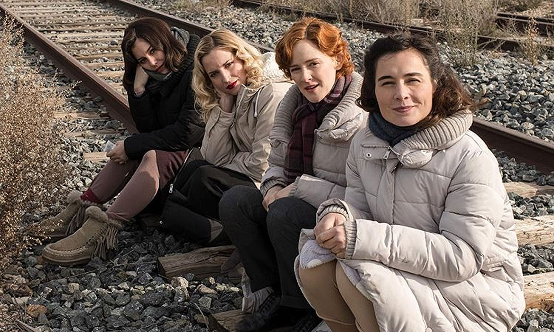 Las imágenes del reencuentro de las 'chicas del cable' en la quinta y última temporada de la serie