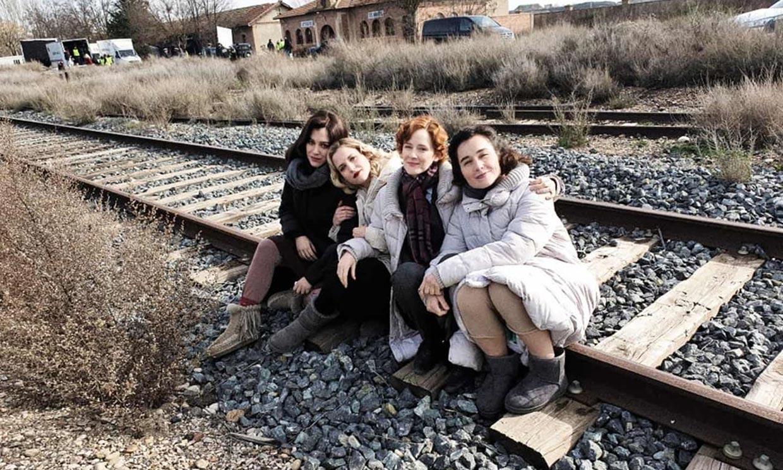 Ana Fernández descubre el lado más gamberro de Blanca Suárez durante el rodaje de 'Las chicas del cable'