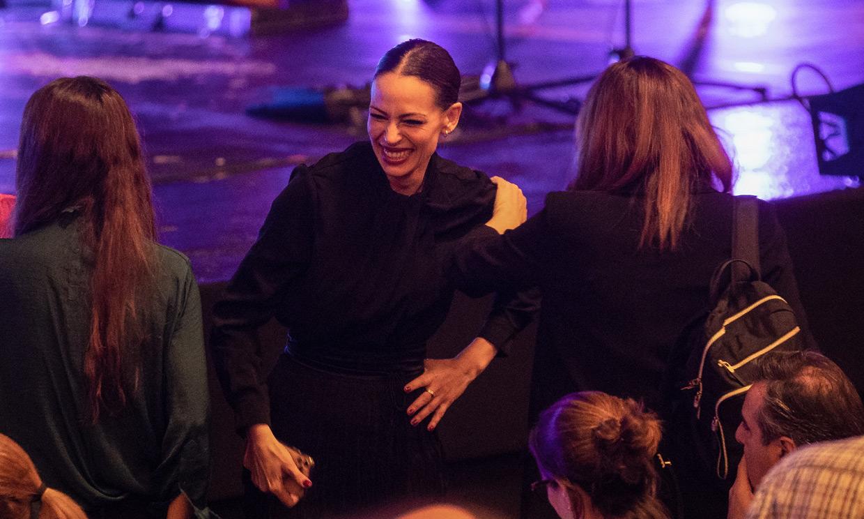 Eva González irradia felicidad en el concierto de su gran amiga Vanesa Martín
