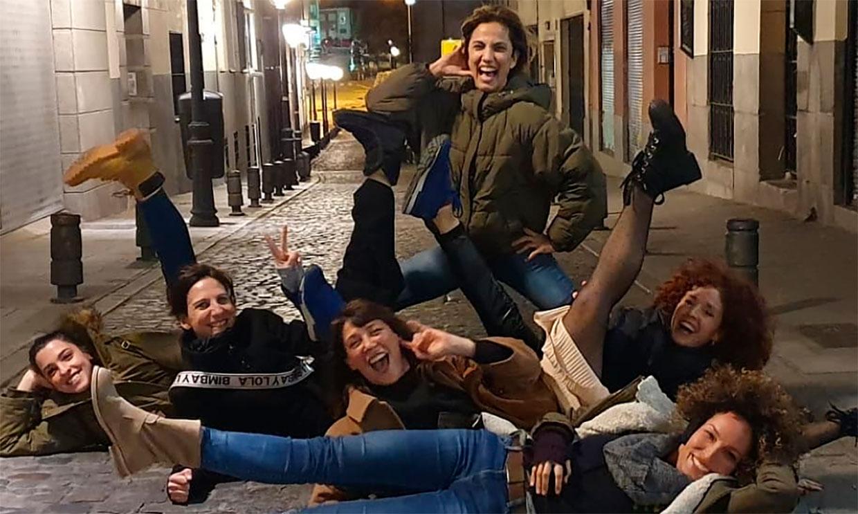 La fiesta improvisada de Toni Acosta y Malena Alterio en la que acabaron literalmente 'por los suelos'