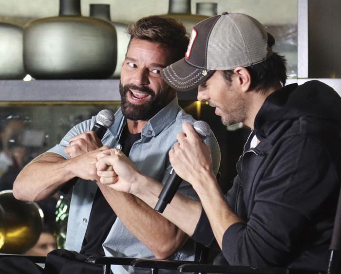 Enrique Iglesias se embarca en una gira histórica… ¡con Ricky Martin!