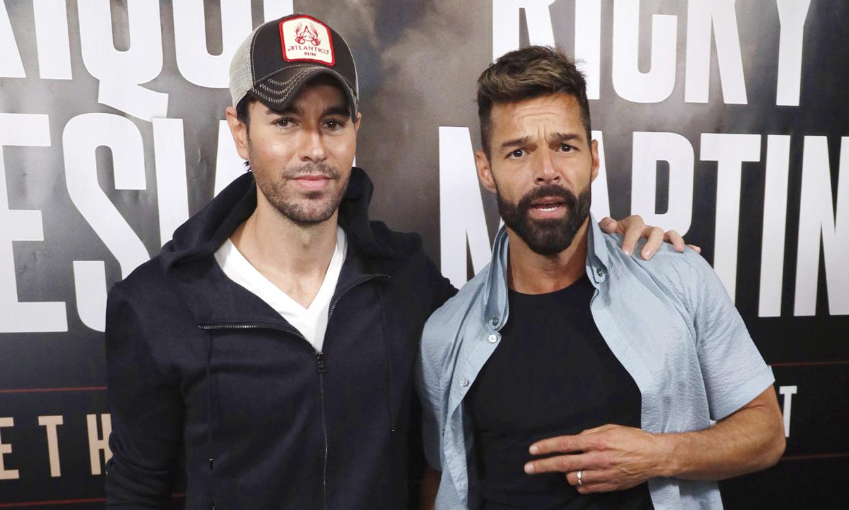 Tras ser padre, Enrique Iglesias anuncia una gira… ¡con Ricky Martin!