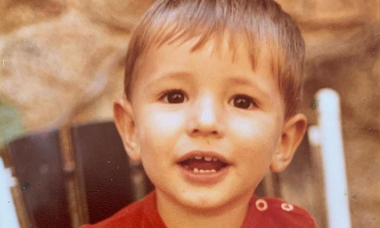 ¿Sabes quién es este niño que hoy cumple años? Pista: es modelo y actor español