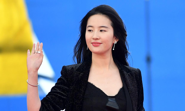Nacida en Wuhan, modelo desde los 8 años y de las más populares de China: descubre a la nueva Mulán