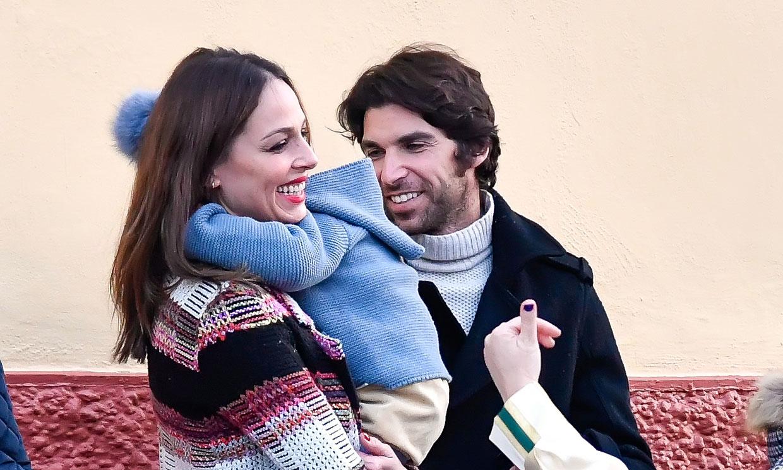 Eva González y Cayetano Rivera se quedan en casa con su pequeño artista