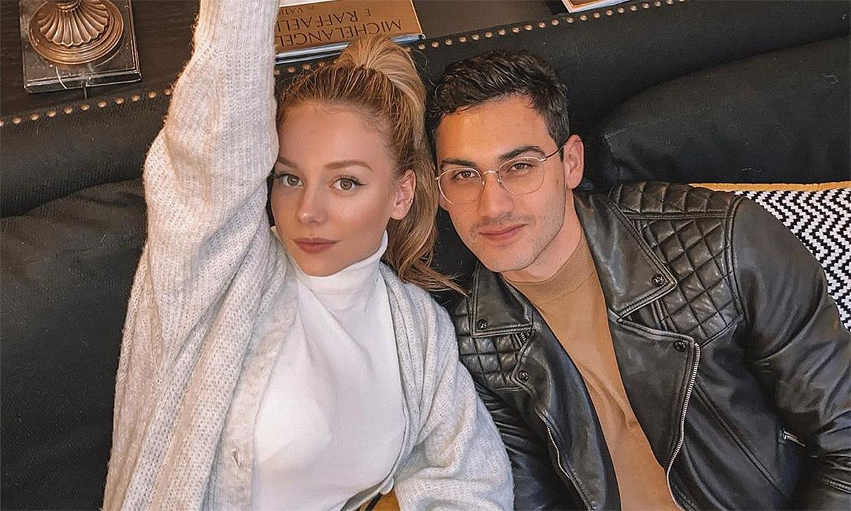En ¡HOLA! las fotos que descubren la relación de Ester Expósito con el actor Alejandro Speitzer