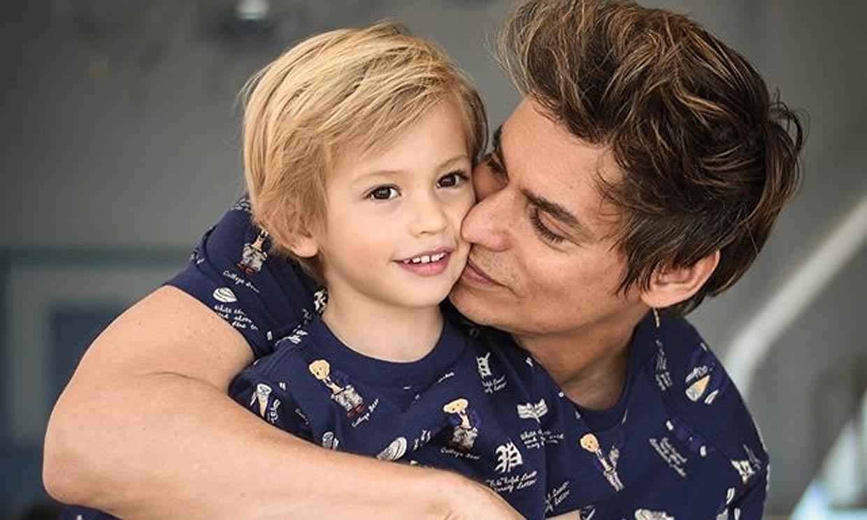 ¡Igual que papá! Carlos Baute y sus hijos enamoran con su último juego