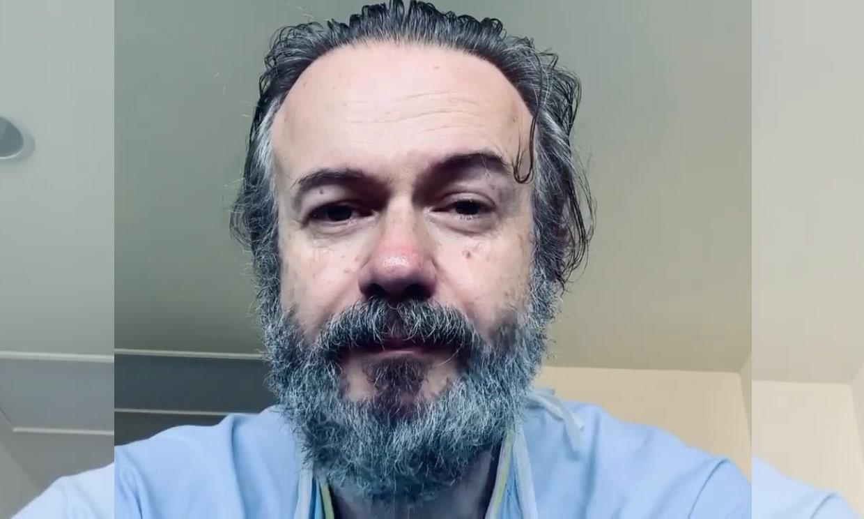 Las lágrimas de Tristán Ulloa al recibir el alta médica: 'Las condiciones son tercermundistas'