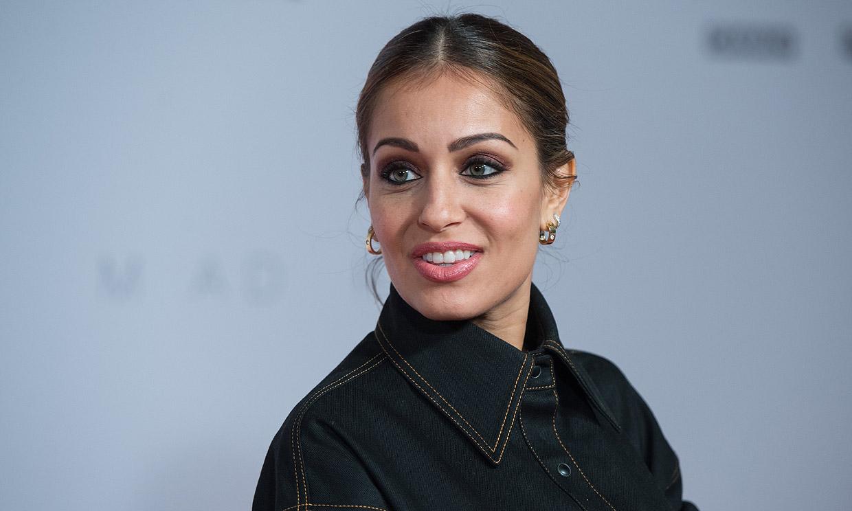 Hiba Abouk se pone en forma con dos curiosos espectadores