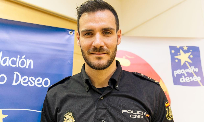 Saúl Craviotto vuelve a ponerse el uniforme y retoma su trabajo como policía nacional