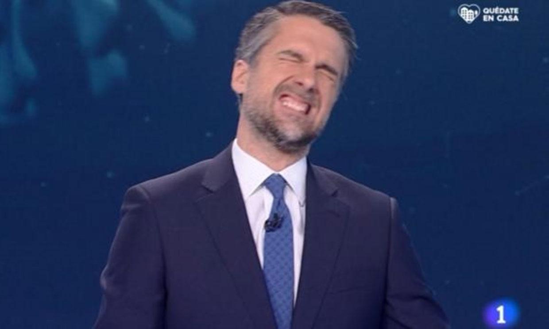 El presentador de TVE Carlos Franganillo se toma con humor su error en pleno directo del Telediario
