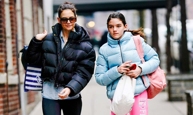 Con una corona de rosas y un photocall casero, así celebra Katie Holmes el cumpleaños de su hija Suri