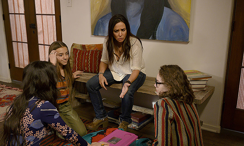 Madre no hay más que una, y es Pamela Adlon en 'Better Things'