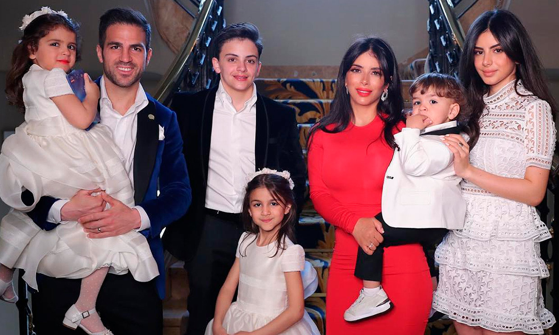 Cesc Fábregas celebra su 33 cumpleaños en familia y con una dulce sorpresa