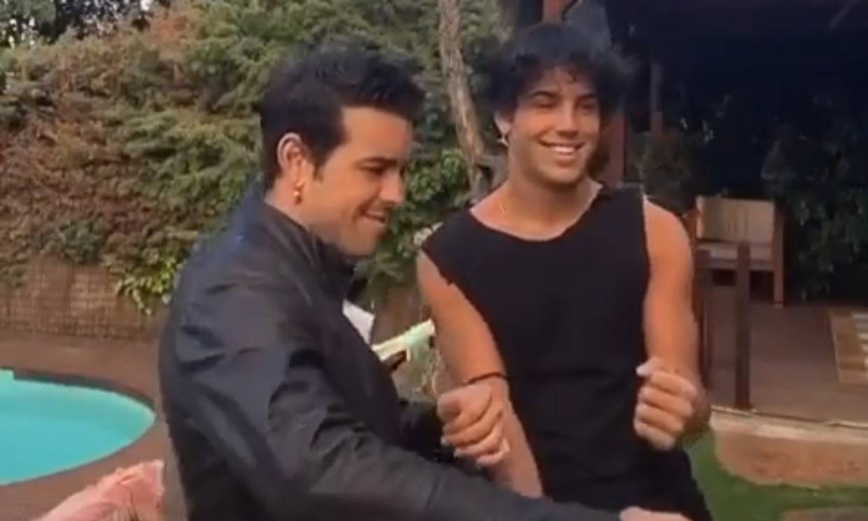 Mario y Óscar Casas arrasan con su sorprendente y divertido baile 'twerking'